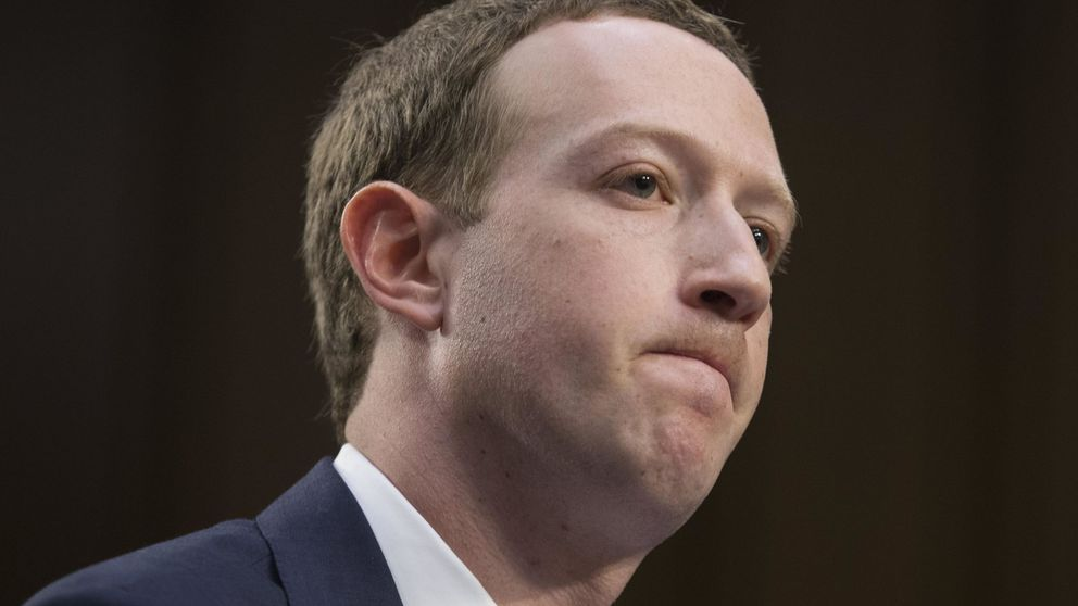 Las 10 caras más marcianas de Mark Zuckerberg en su comparecencia ante el Congreso