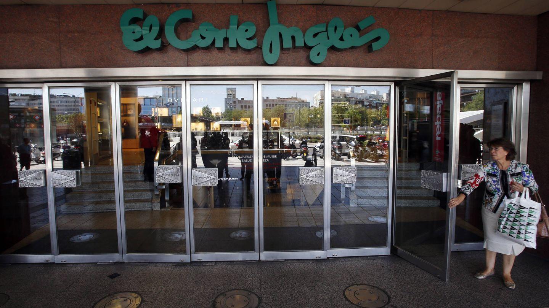 Entrada de uno de los centros de El Corte Inglés. (EFE)