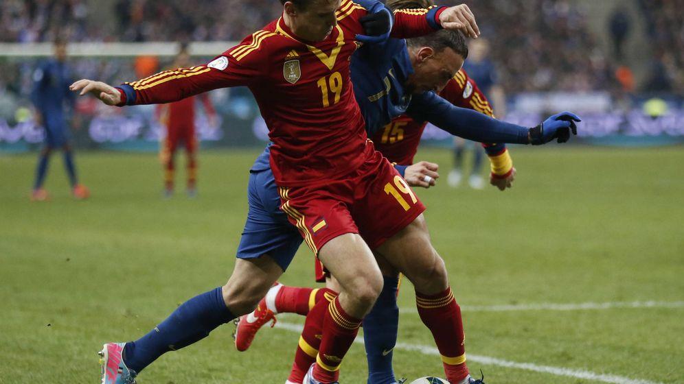 Foto: Hace casi tres años que Monreal no juega con la selección española (Benoit Tessier/Reuters).