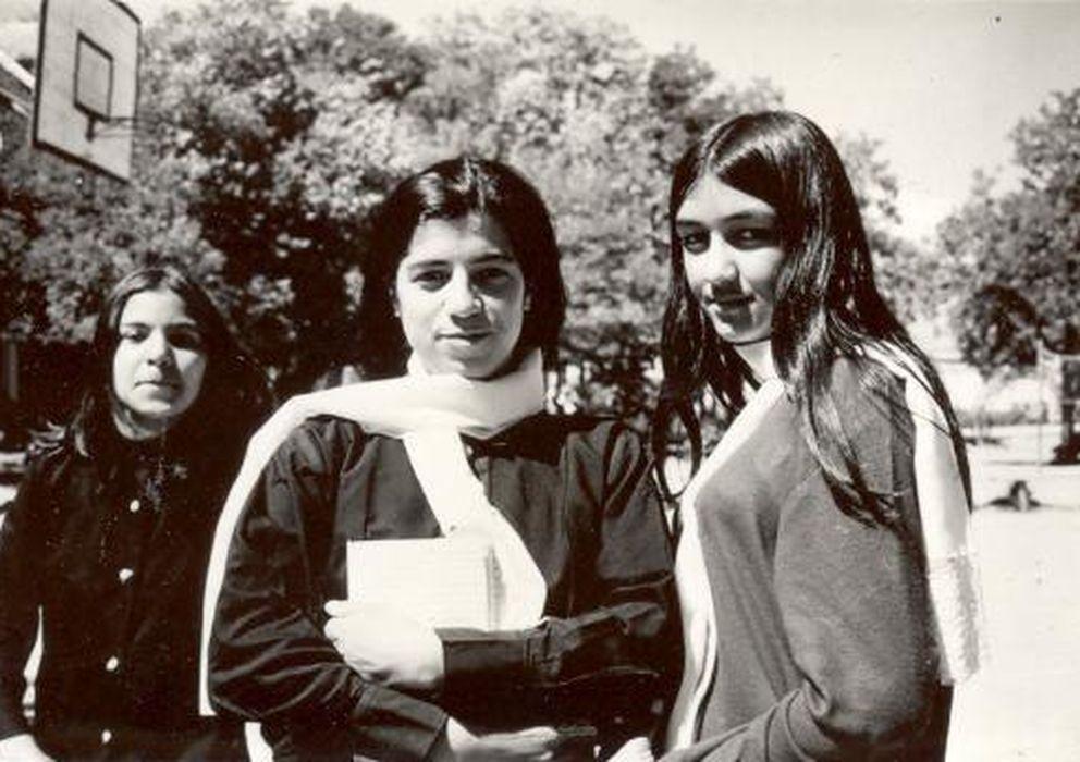 Foto: Estudiantes afganas en una escuela no identificada (M. Qayoumi).