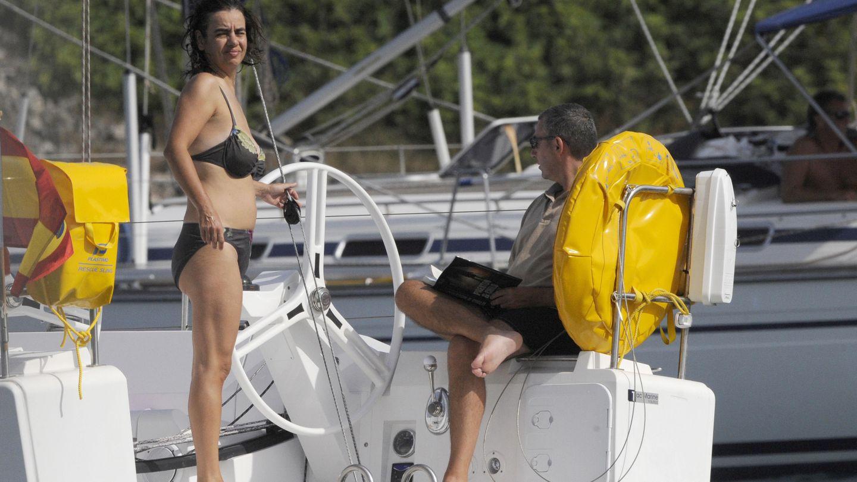 Diego Torres y su mujer, Ana Tejeiro, durante unas vacaciones en Menorca. (Gtres)
