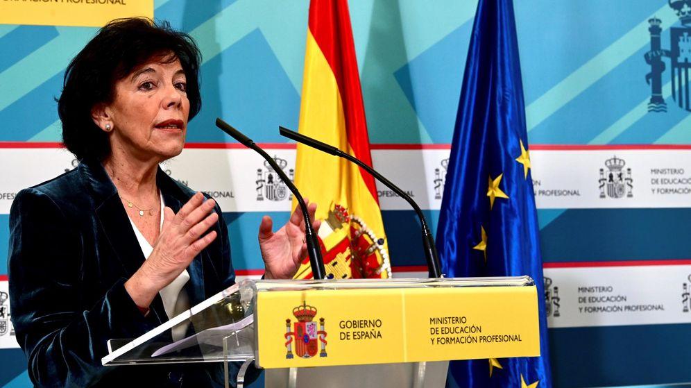 Foto: La ministra de Educación, Isabel Celaá, en una comparecencia. (EFE)