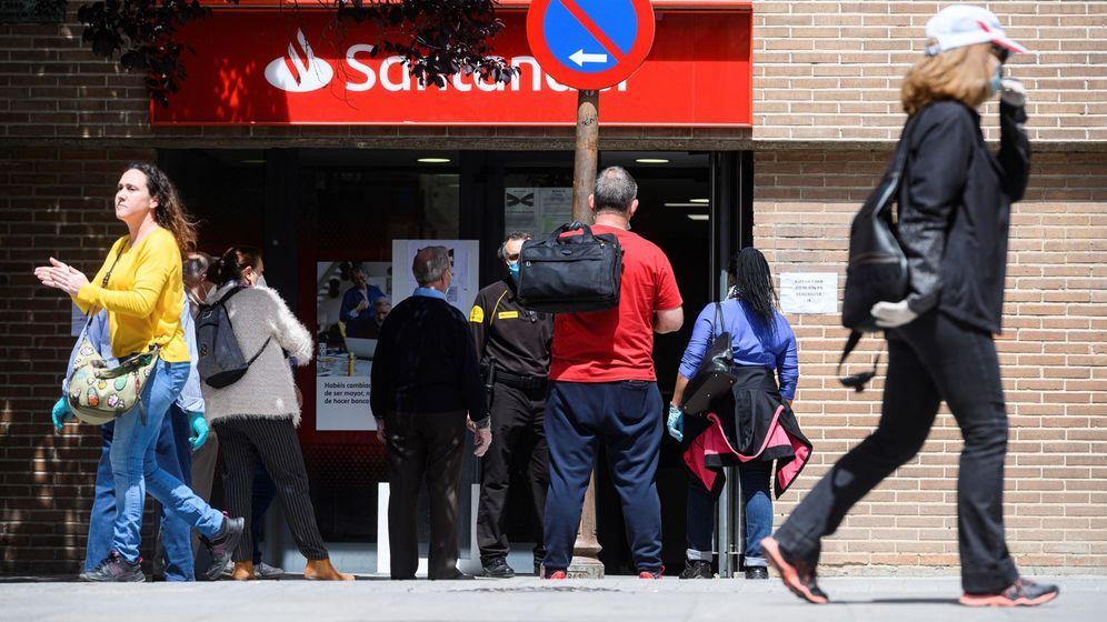 Foto: Oficina bancaria en Alcalá de Henares. (EFE)
