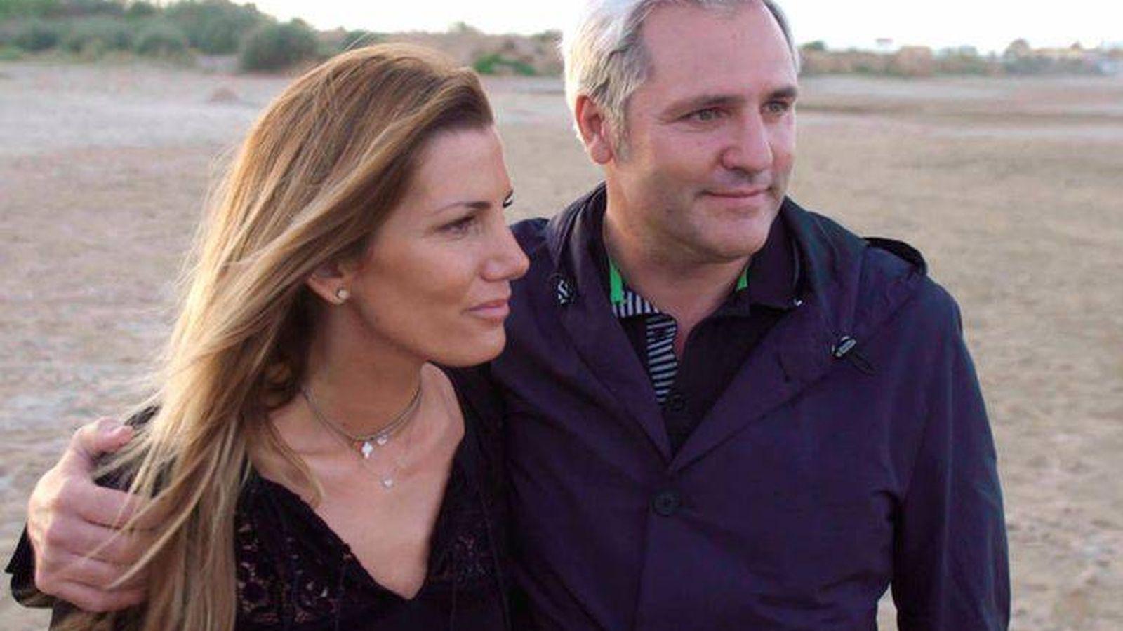 Foto: Mayte y Santiago en el programa de Telecinco. (Mediaset)