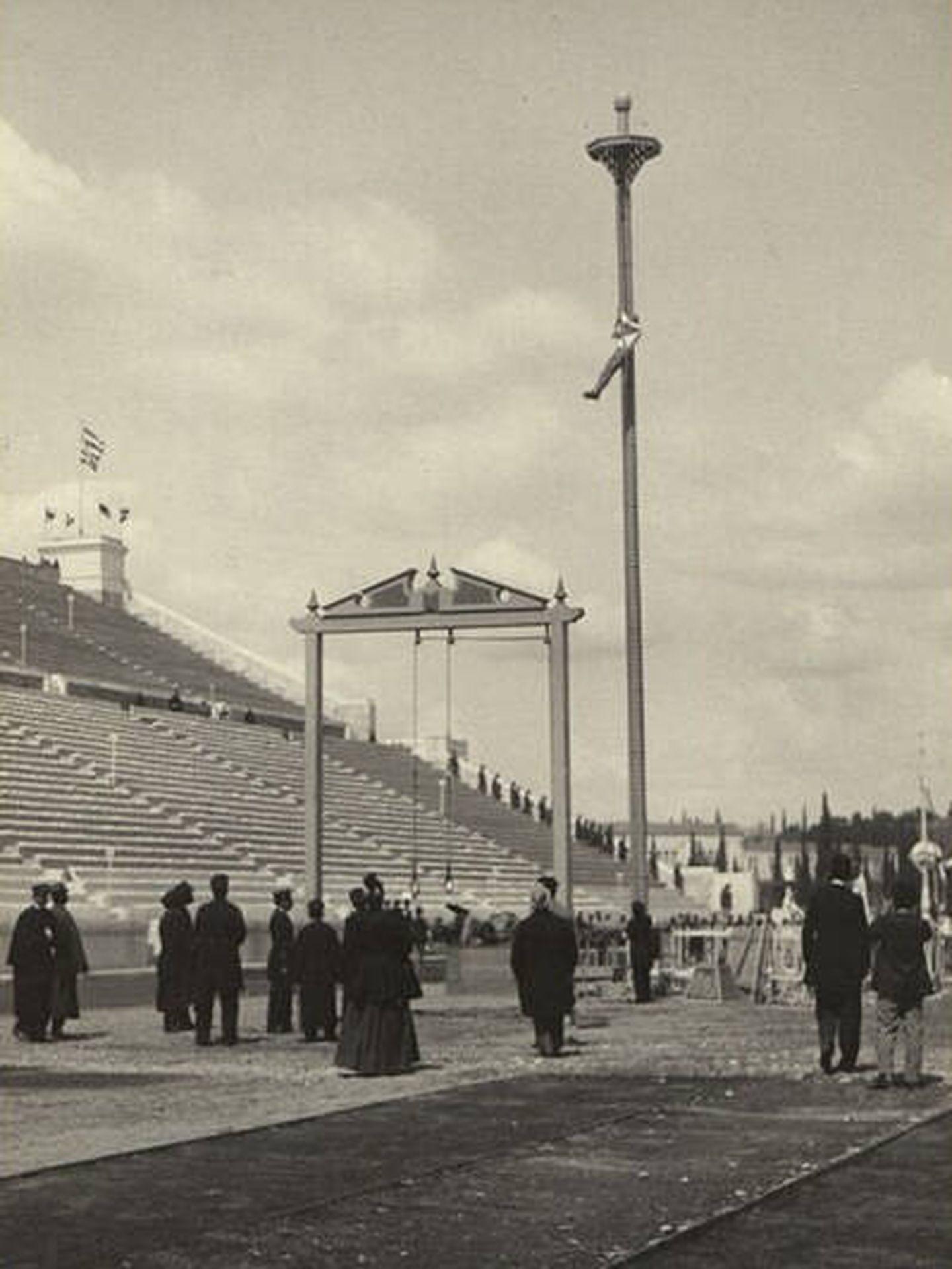 Trepar la cuerda fue una modalidad de gimnasia hasta 1932.