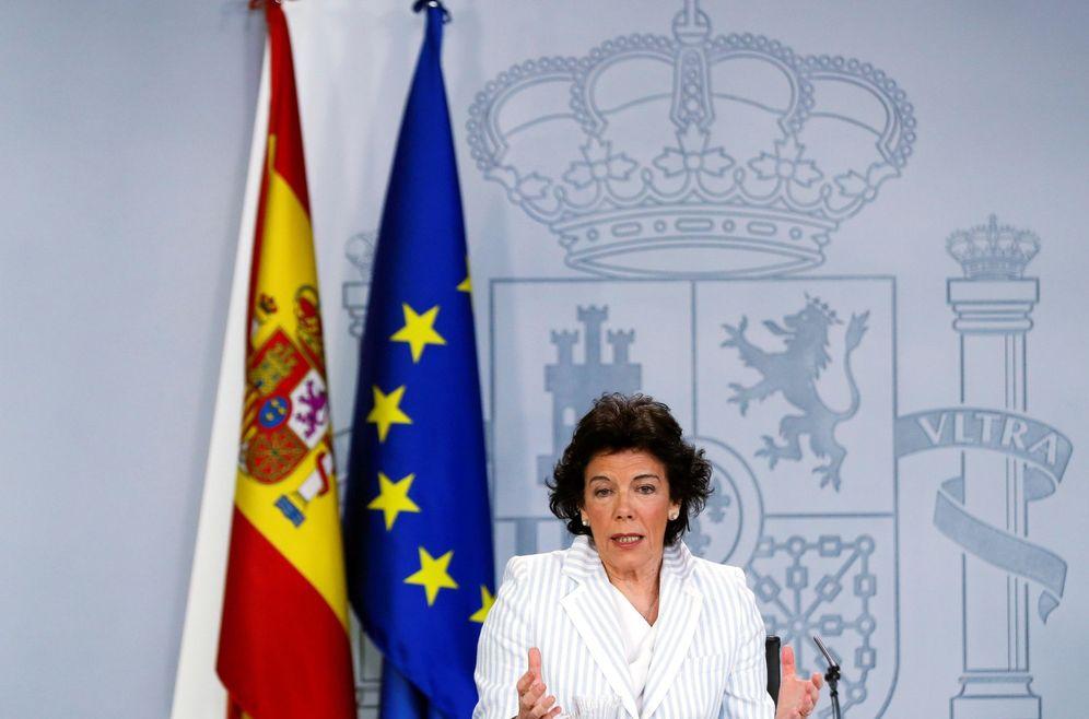 Foto: La ministra portavoz en funciones, Isabel Celaá, este 30 de abril en la Moncloa. (EFE)