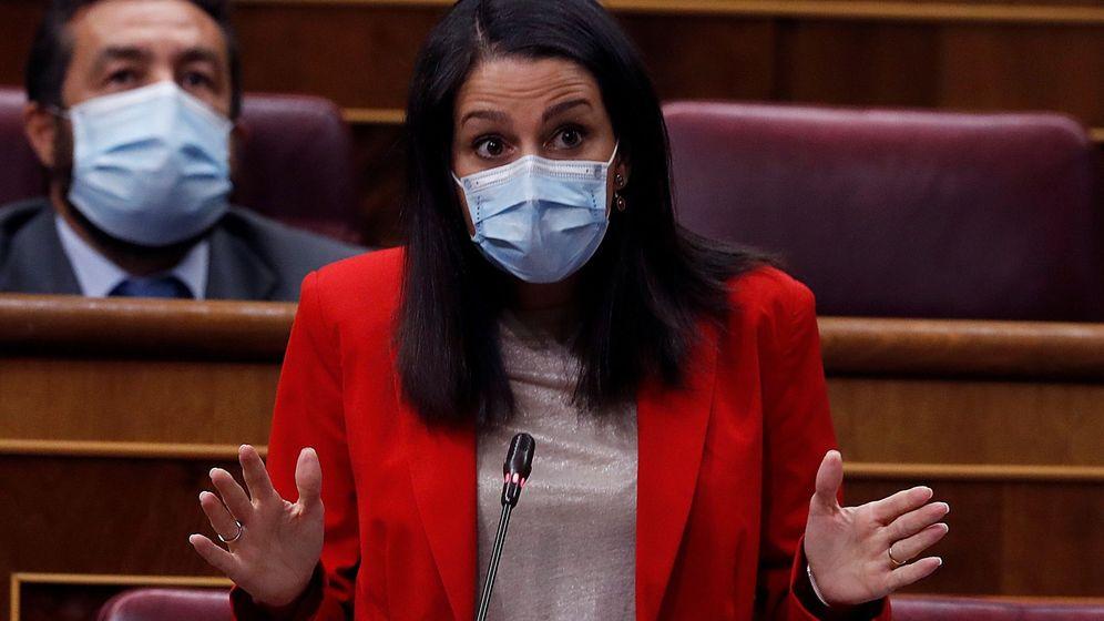 Foto: La líder de Ciudadanos, Inés Arrimadas, durante la sesión de control al Gobierno este miércoles. (EFE)