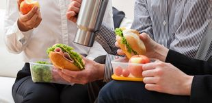 Post de Los nueve alimentos que jamás deberías tomar en la comida (y lo haces a menudo)