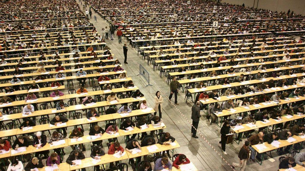 Oposiciones con libros y sabiendo las preguntas: la ayuda de la Xunta al personal