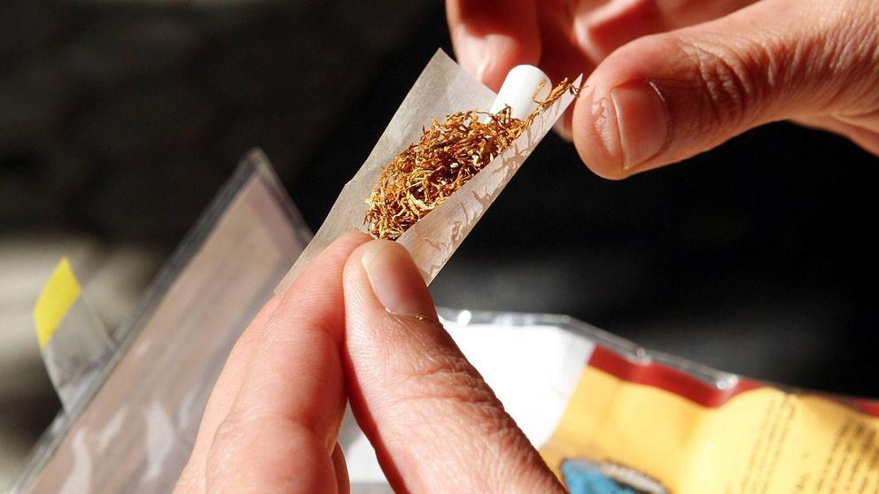 Solo era tabaco de liar: anulada la sanción a cinco guardias civiles por fumar porros