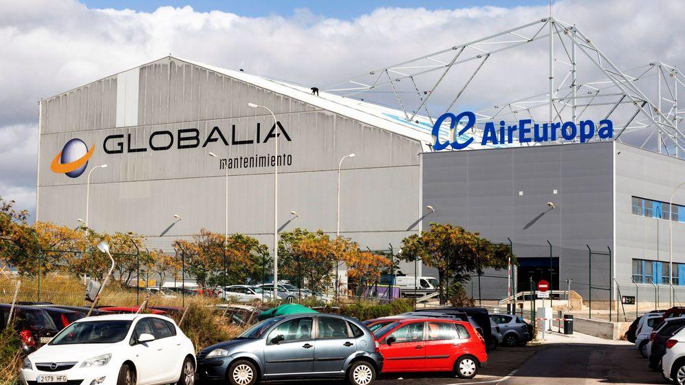 Foto: Fachada del Hangar de Air Europa, estes lunes en el aeropuerto de son Sant Joan de Palma. (EFE)