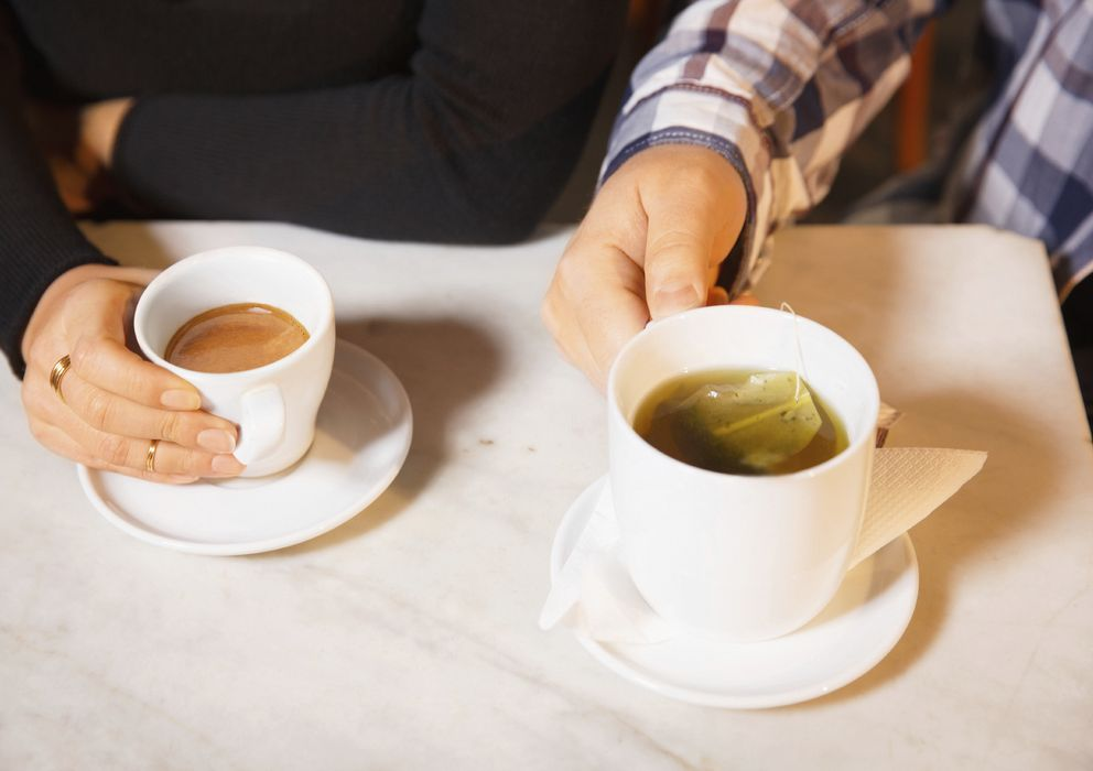 El cafe retiene liquidos