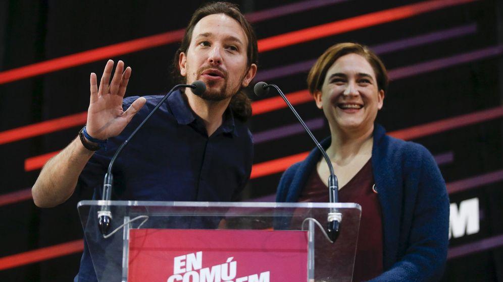 Foto: El líder de Podemos, Pablo Iglesias, y la alcaldesa de Barcelona, Ada Colau. (Reuters)