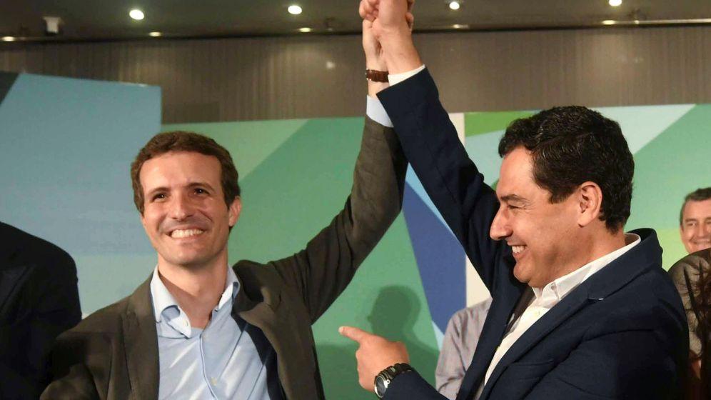Foto: El presidente del PP, Pablo Casado, con el líder de los populares en Andalucía, Juanma Moreno.(EFE)