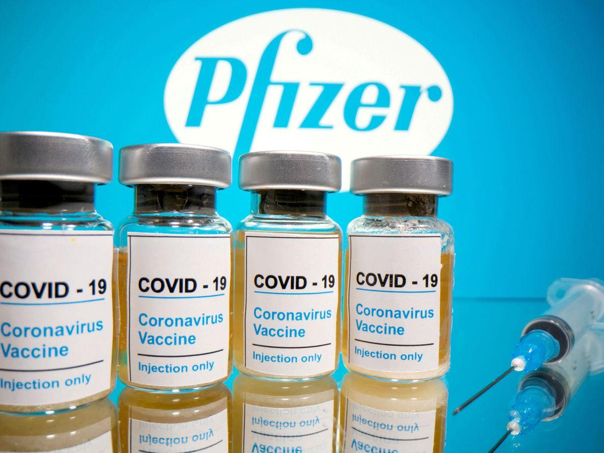 El Reino Unido aprueba el uso de la vacuna Pfizer y empezará a inmunizar la  próxima semana