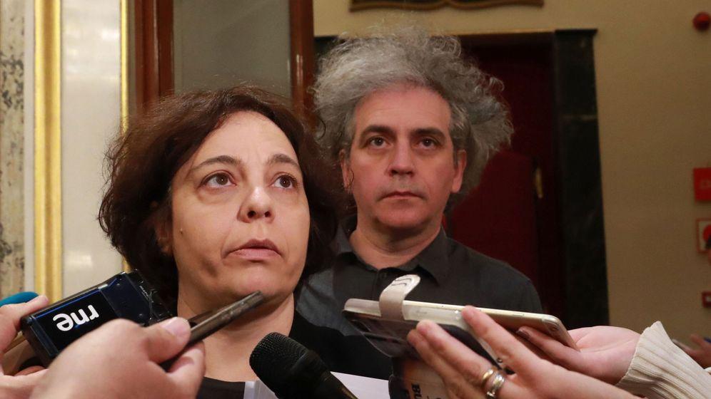Foto: Los diputados de Podemos Gloria Elizo y Marcelo Expósito. (EFE)
