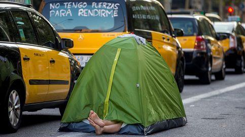 Huelga del taxi: durmiendo en tiendas de campaña en las calles de Barcelona