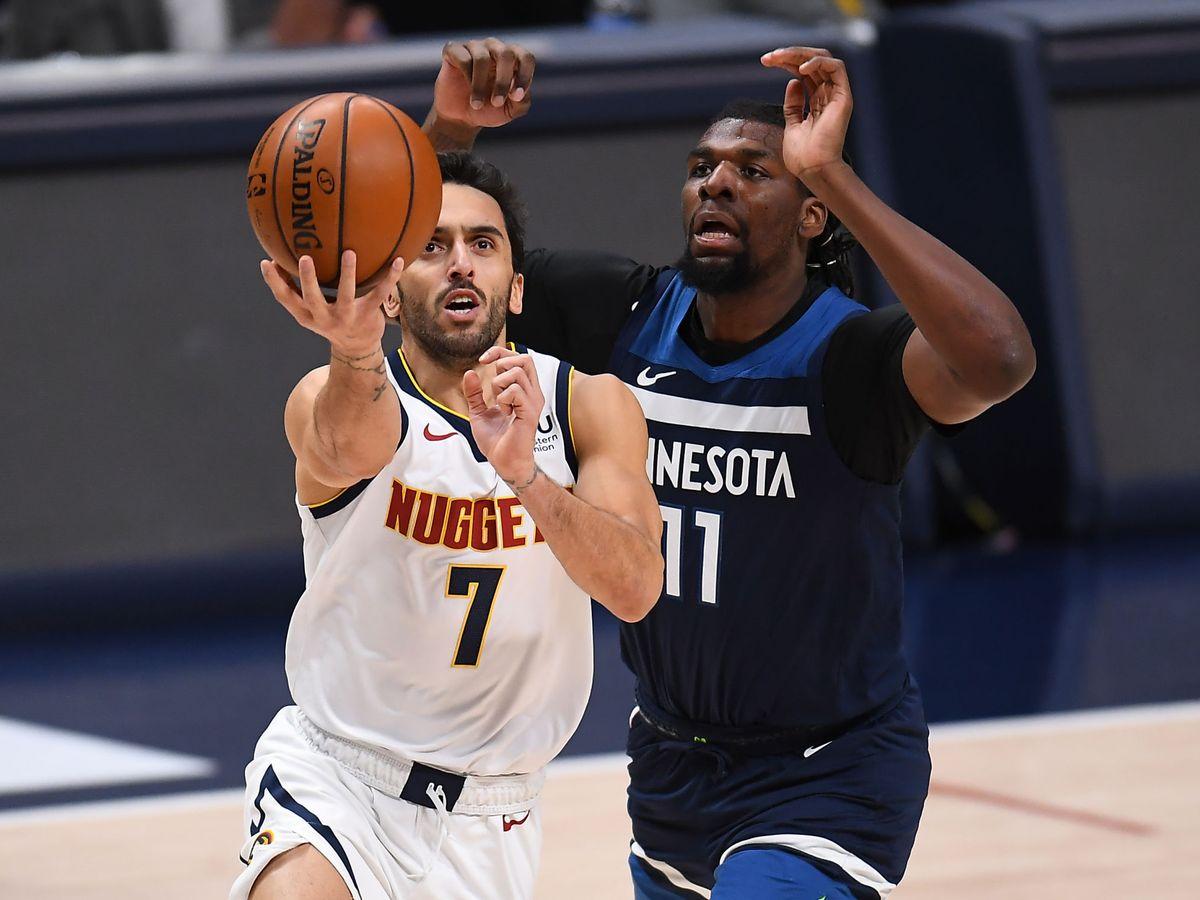 Foto: Campazzo realiza una entrada a canasta en la NBA. (Reuters)