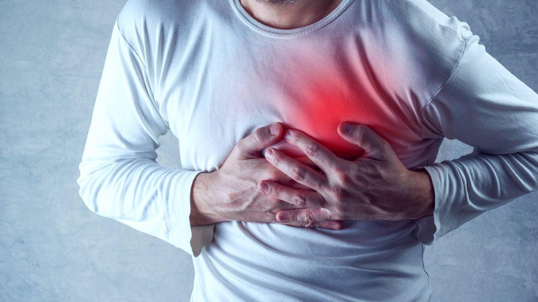 Foto: Un hombre sufriendo un infarto. Foto: iStock