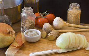 Los 15 alimentos que tienes que tener siempre a mano en la cocina