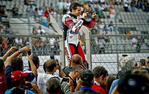 Carlos Checa, el último rockero, se baja de la moto después de 20 años