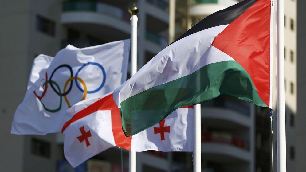 Foto: Bandera palestina en la villa olímpica.