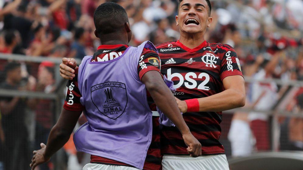 Foto: Reinier (d) ganó la Copa Libertadores con el Flamengo. (EFE)