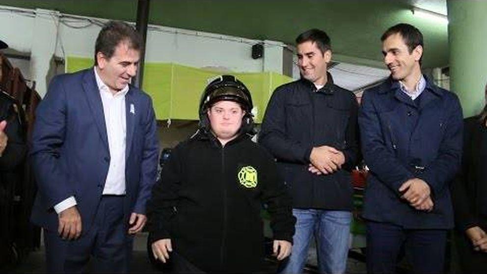 Álvaro, el joven con síndrome de Down que ha logrado ser bombero