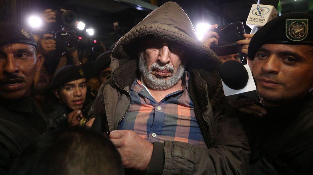 Foto: El expresidente de federación de fútbol de Guatemala, Brayan Jiménez, ebrio en el momento de su detención (Efe).