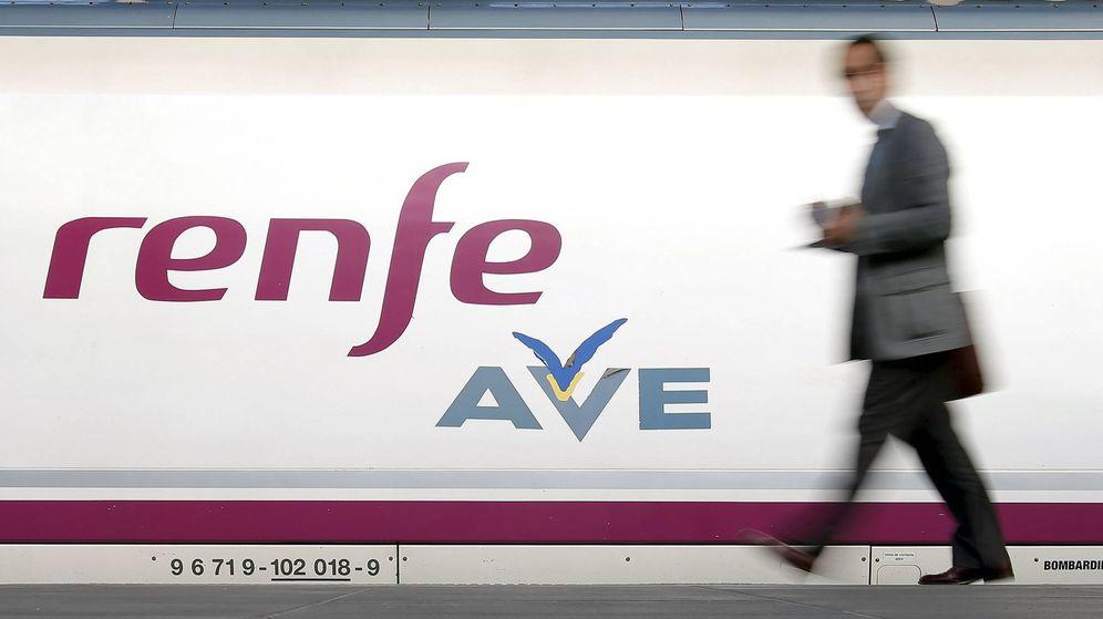 Foto: Imagen de archivo de un tren AVE (EFE)