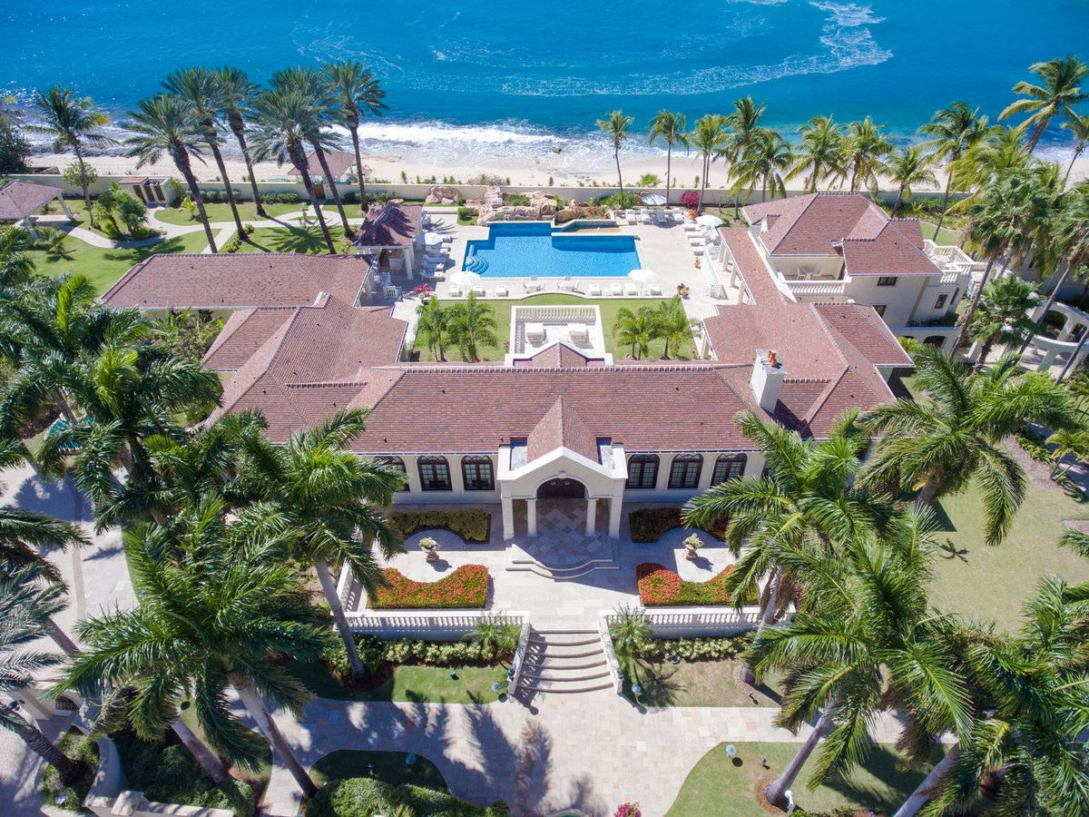 Foto: La mansión caribeña que Donald Trump alquila mientras intenta encontrar un comprador. (Cortesía de lechateaudespalmiers.com)