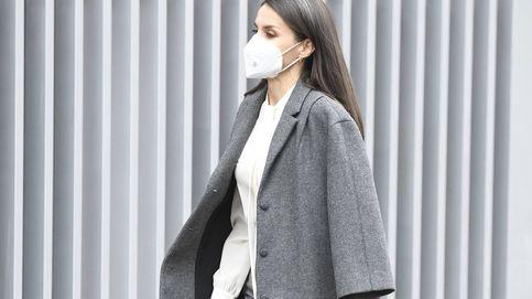 El abrigo de Ricci con el que Letizia prueba lo importante que es un buen fondo de armario