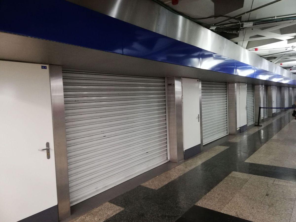 Foto: Comercios cerrados. (EFE)