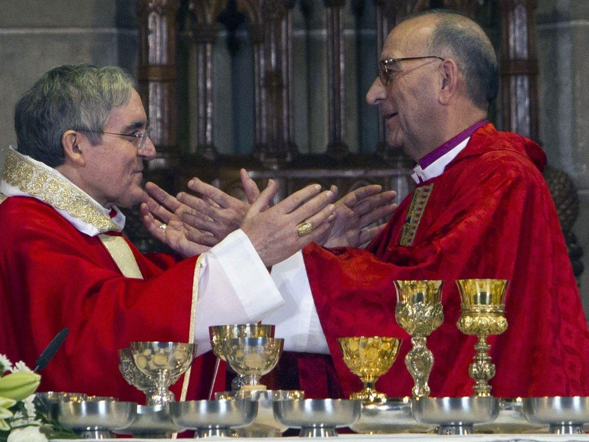 Foto: Juan José Omella (d), obispo de Barcelona. (EFE)