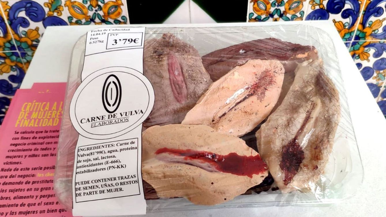 El ayuntamiento de Granada retira la obra 'Carne de vulva' para no herir sensibilidades