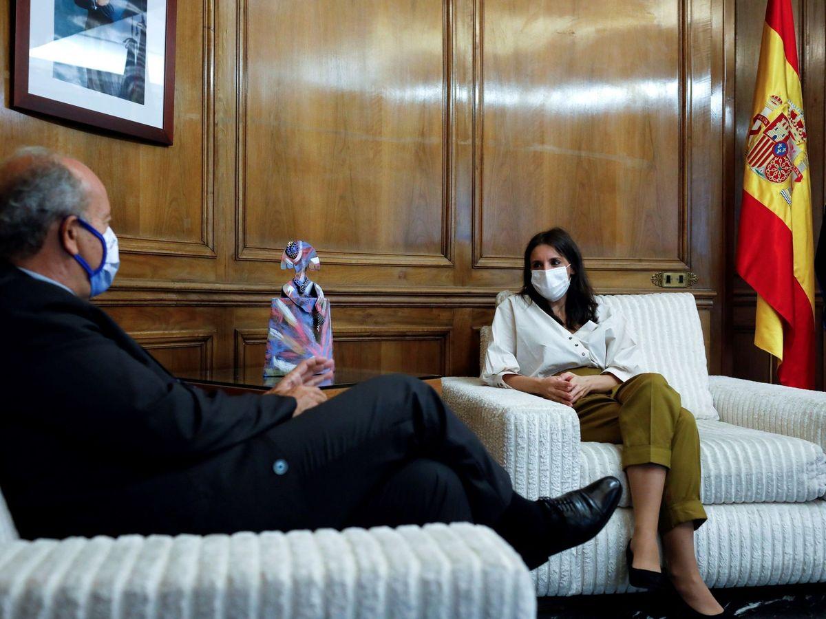 Foto: La ministra de Igualdad, Irene Montero, y el ministro de Justicia, Juan Carlos Campo. (EFE)