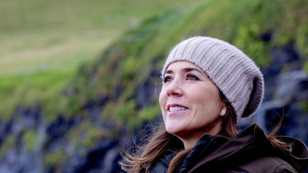 Foto: Mary de Dinamarca en su visita oficial a Mikladalur. (Cordon Press)