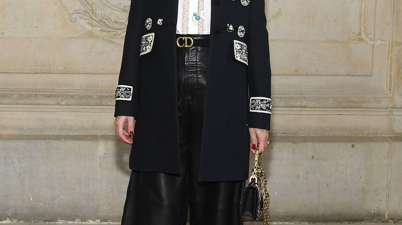 Olivia Palermo, con uno de sus anteriores maquillajes coloridos en el desfile de Alta Costura de Christian Dior en 2019. (Getty)
