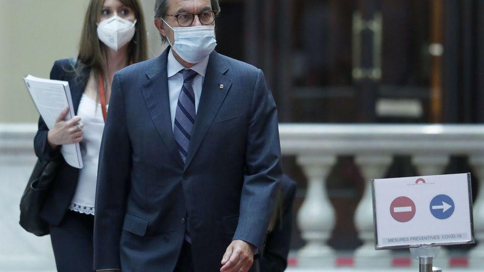 Artur Mas se queda en el PDeCAT, pero su silencio beneficia a Puigdemont