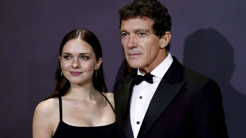 Foto: Stella del Carmen, junto a su padre, Antonio Banderas. (EFE)