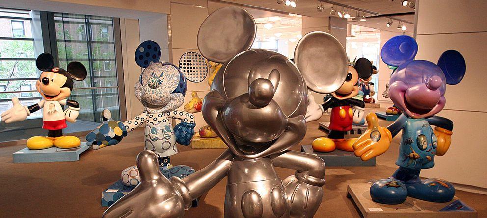 Foto: Estatuas de Mickey Mouse en Nueva York. (Rueters)