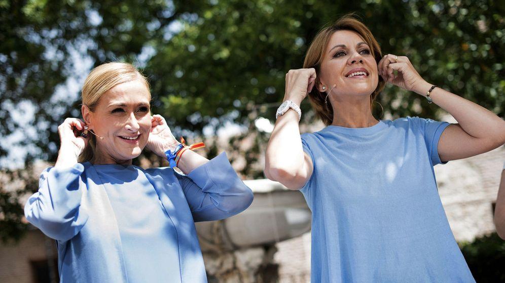 Foto: La secretaria general del Partido Popular y presidenta del partido en Castilla-La Mancha, María Dolores de Cospedal, y la presidenta del PP de Madrid, Cristina Cifuentes. (EFE)