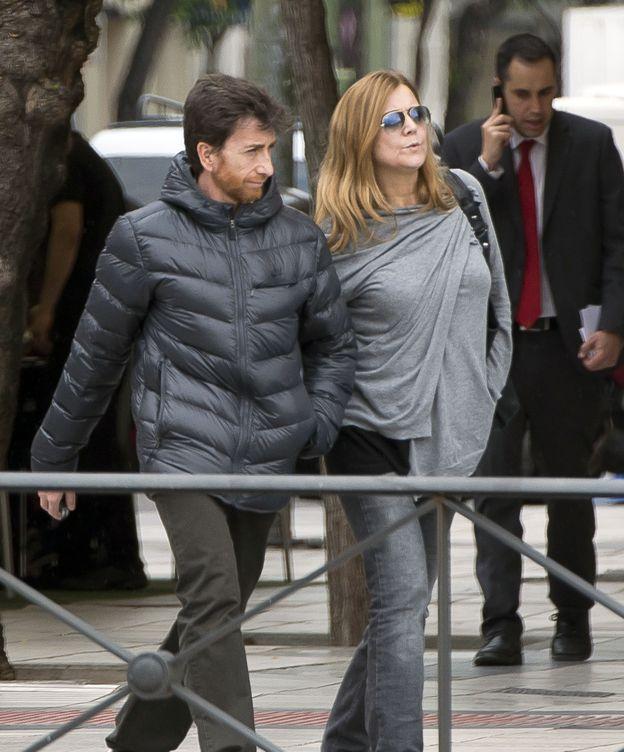 Foto: Pablo Motos y Laura Llopis paseando por Madrid (Gtres)