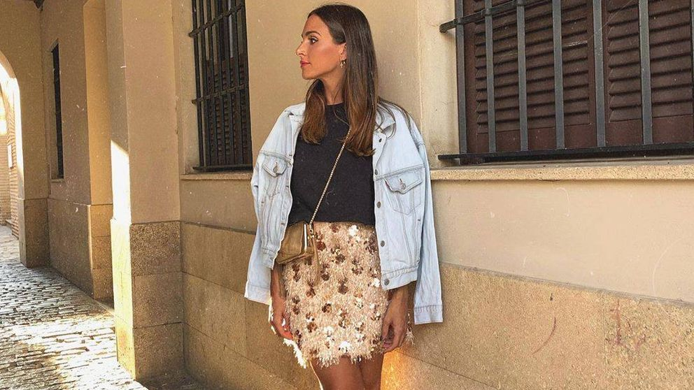 Copiamos el look de Rocío Osorno con falda de lentejuelas y cazadora vaquera
