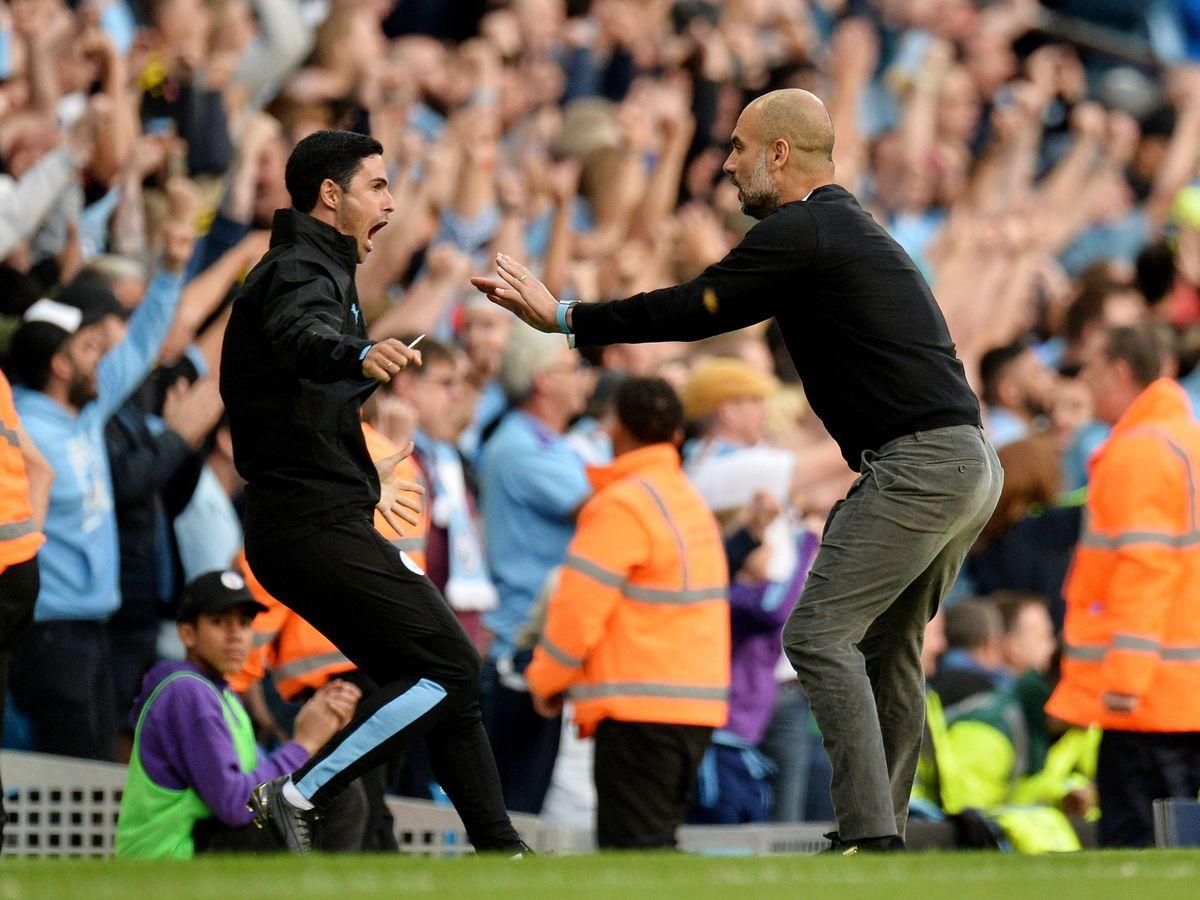 Foto: Mikel Arteta (i) durante un partido del Manchester City el pasado verano. (EFE)
