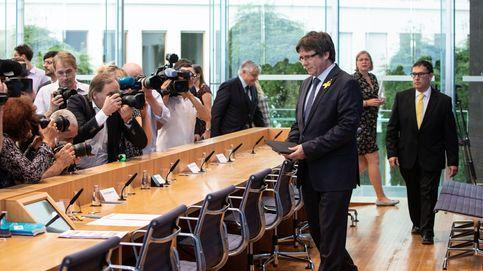 De 'héroe romántico' a gran ignorado: Puigdemont sale de Alemania por la puerta de atrás