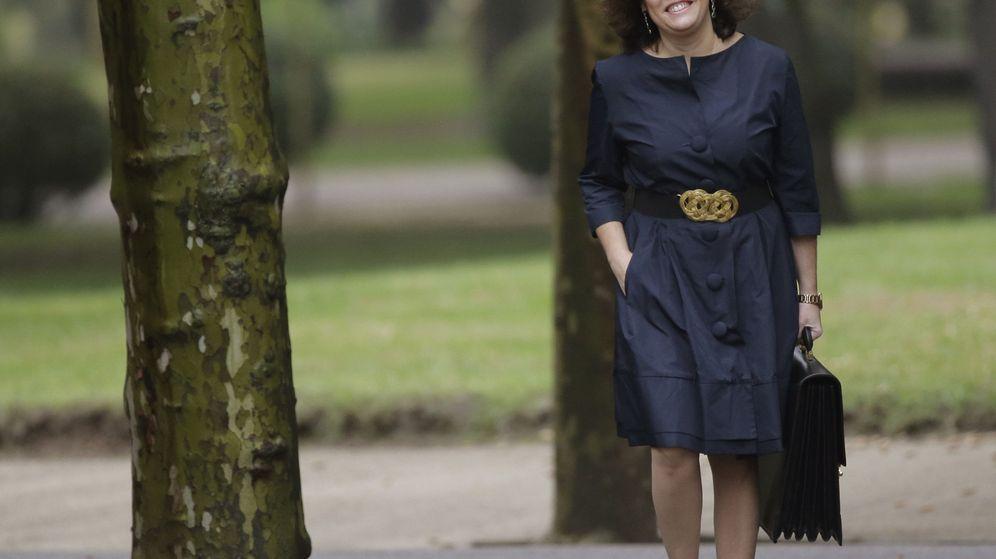 Foto: La vicepresidenta del Gobierno y nueva ministra de Administraciones Territoriales, Soraya Sáenz de Santamaría, a su llegada al Palacio de la Moncloa. (EFE)
