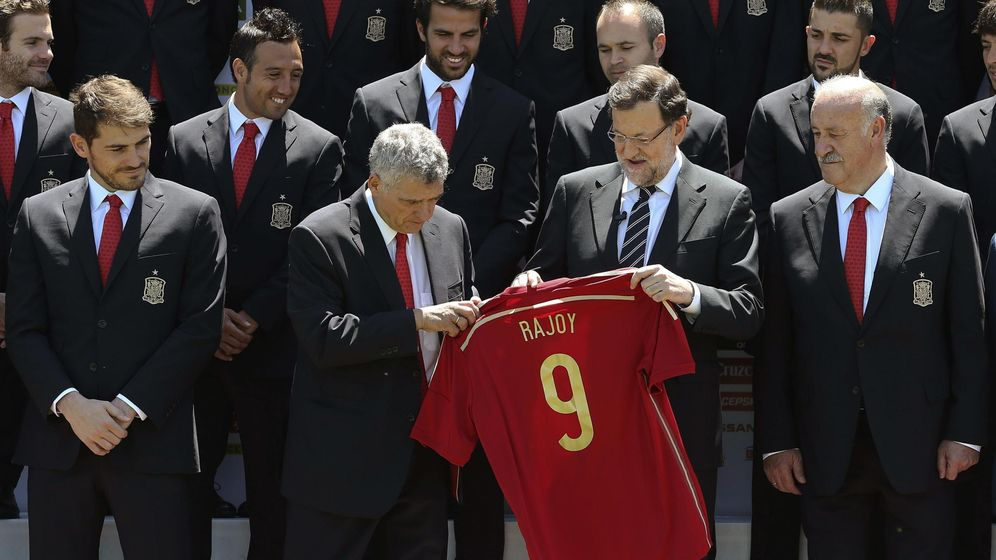 Foto: Casillas, Villar, Rajoy y Del Bosque, antes del Mundial de Brasil. (EFE)