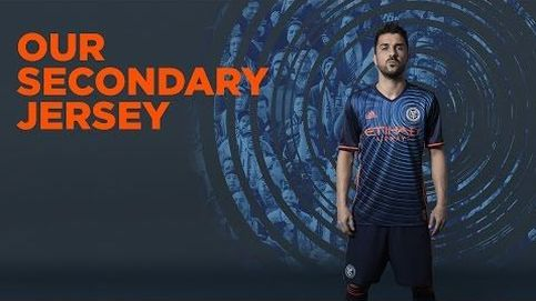 Pirlo, Villa y Poku sorprenden a sus aficionados con la nueva camiseta del New York City