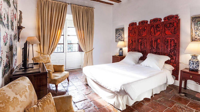 Así es la habitación china del hotel Salinas de Imón.